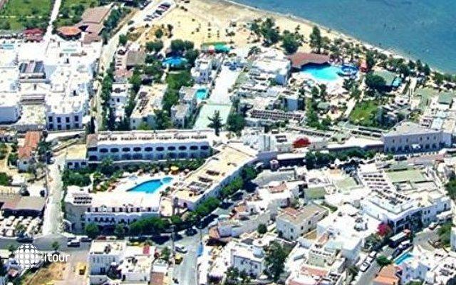 Sami Plaza 1