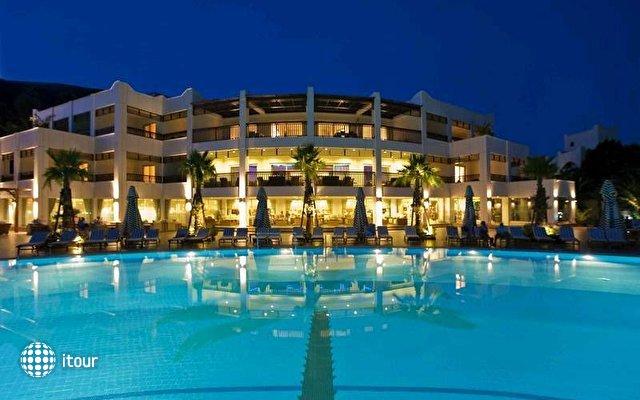 Latanya Beach Resort 1