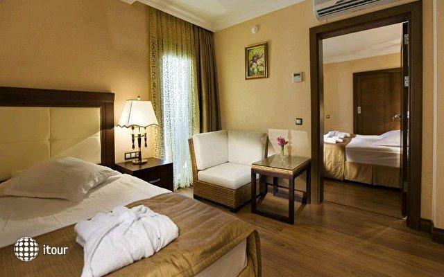 Latanya Beach Resort 5