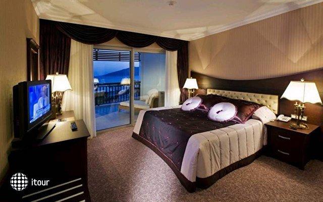 Latanya Beach Resort 7