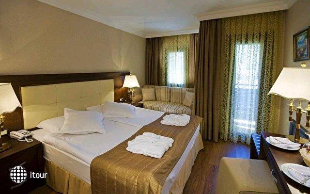 Latanya Beach Resort 9