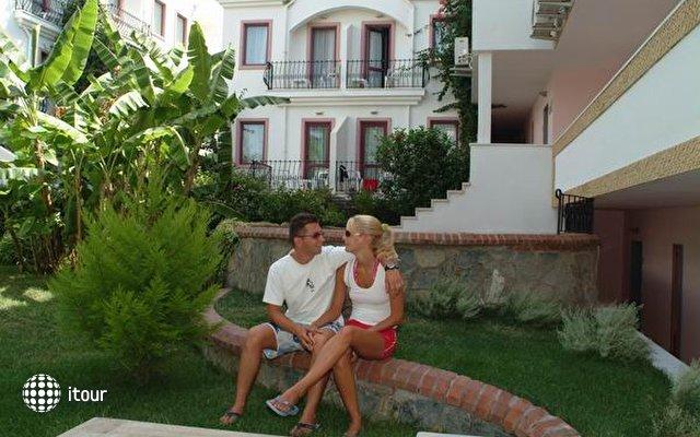 Golden Beach Hotel 4