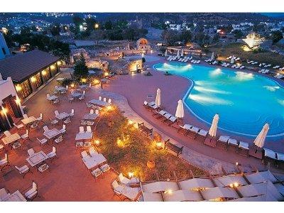 L'ambiance Resort Hotel 1