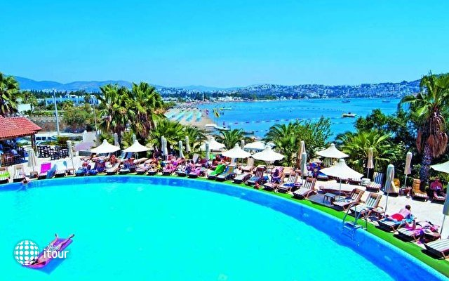 Costa 3s Beach Hotel 1