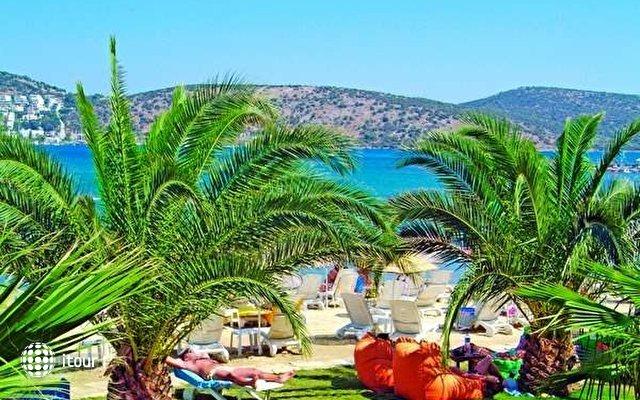 Costa 3s Beach Hotel 9