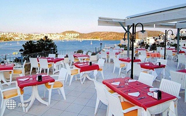 Costa 3s Beach Hotel 7