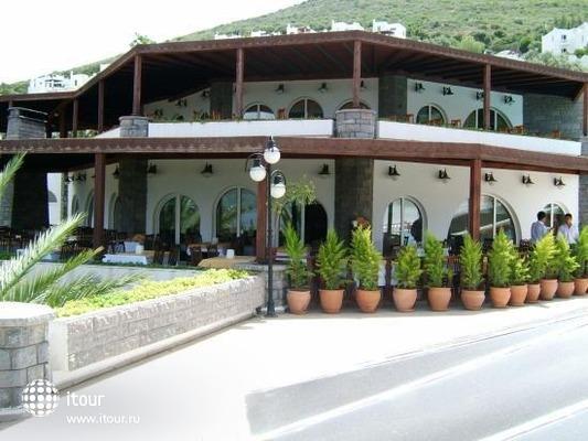 Regal Resort 3