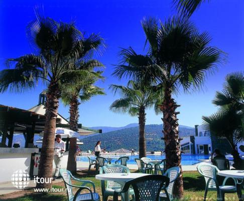 Regal Resort 10