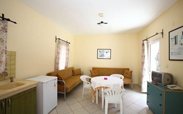Club Paloma Apartments 10