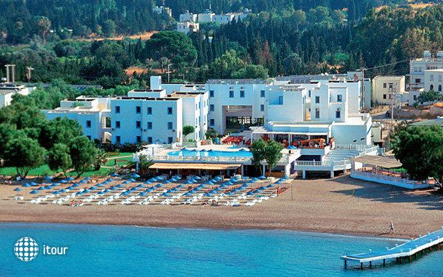 Isis Charm Beach Hotel (ex. Malama Beach) 2