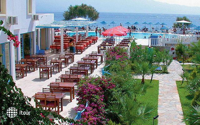 Isis Charm Beach Hotel (ex. Malama Beach) 4