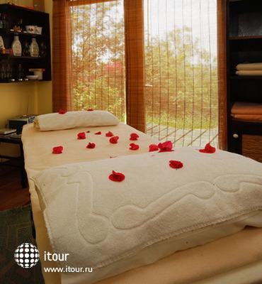 El Vino Hotel & Suites 7
