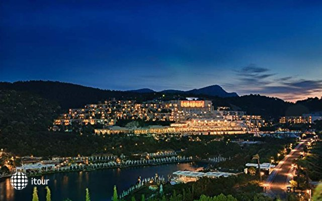 Hilton Bodrum Turkbuku Resort & Spa 2
