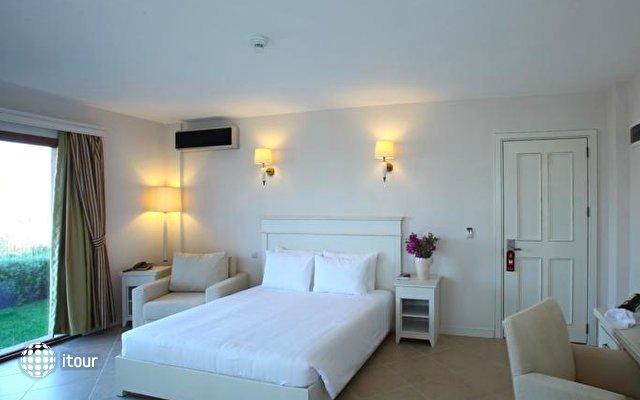 Temenos Hotel 6