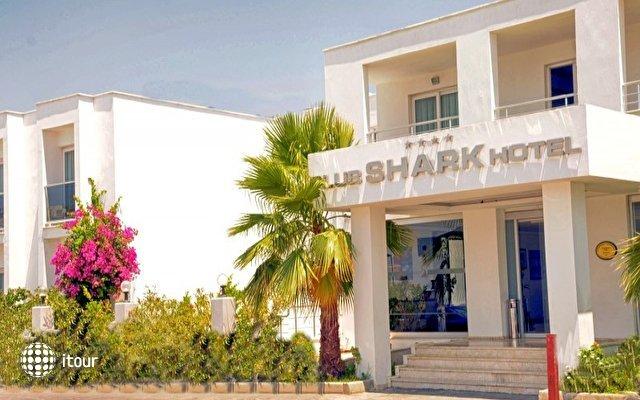 Shark Club Hotel 1