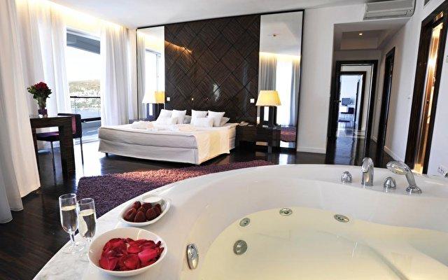 Baia Hotel 74