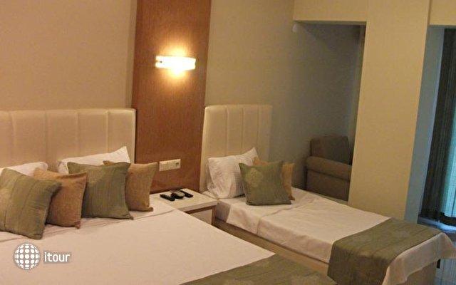 Temple Hotel 8