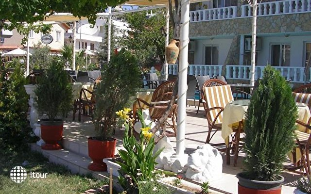 Kusmez Hotel 5