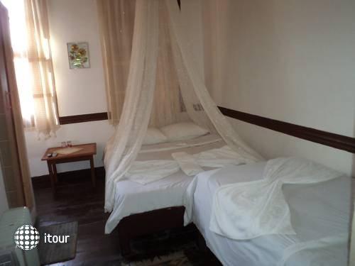 Hotel Antikhan 5