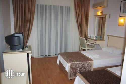 Kalif Hotel 4