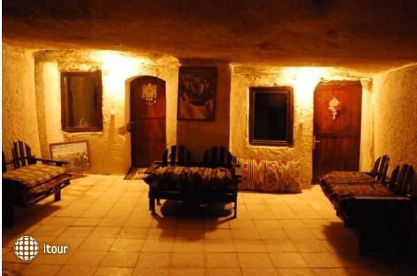 Nomad Cave 2