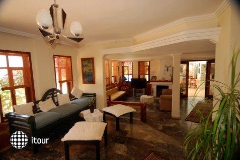 Amphora Hotel 4