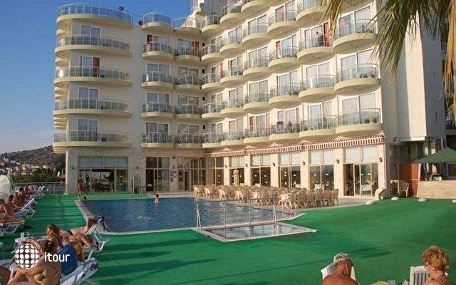 Arora Hotel 3
