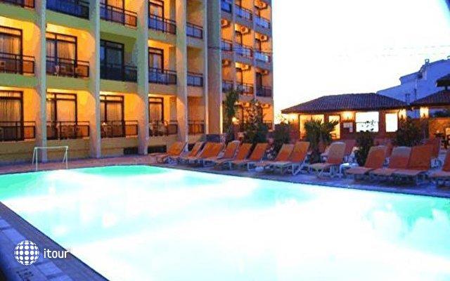 Esat Hotel (ex. Pigale Panorama) 4