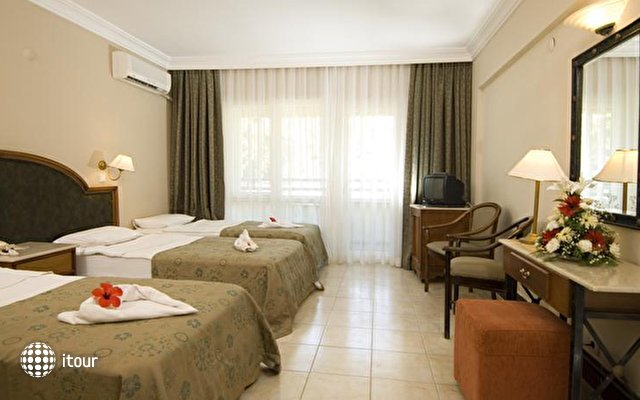 Luana Hotel Santa Maria 8
