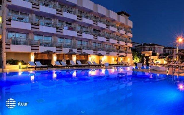 Hotel Carina 4