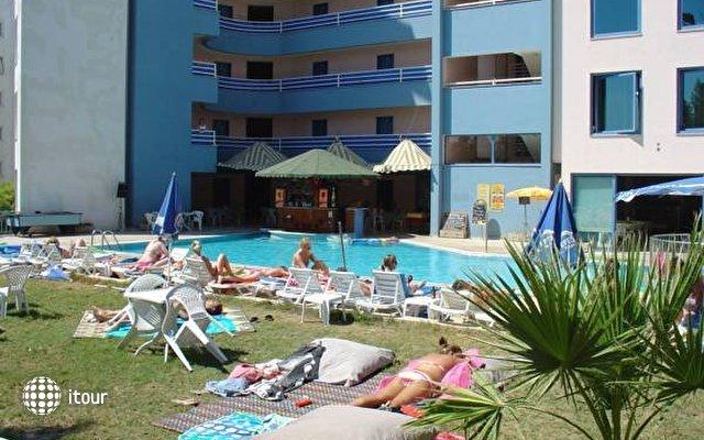Happy Apart Hotel 8