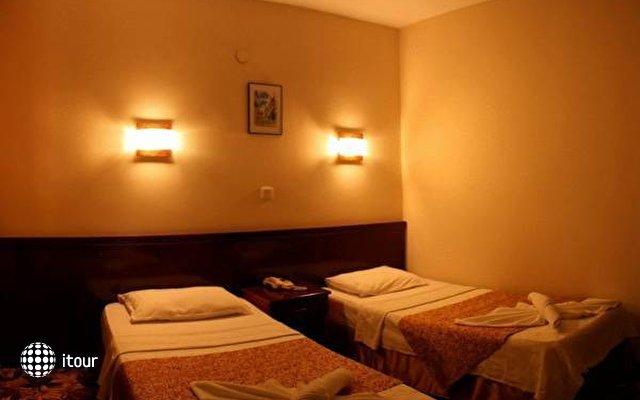 Hotel Minay 4