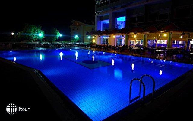 Marina Hotel Kusadasi (ex. Pine Bay Marina) 2