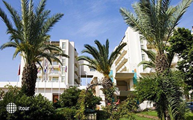 Fantasia Hotel De Luxe 3