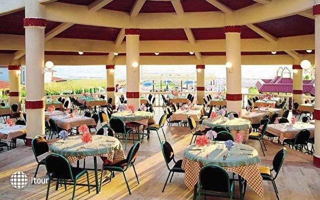 Club Mersin Beach 15
