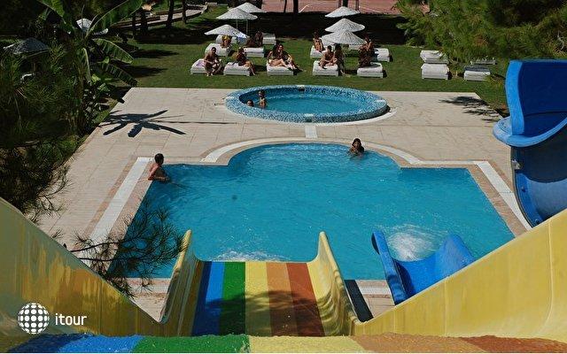 Hotel Flora Suites 4