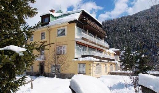 Der Lindenhof 9