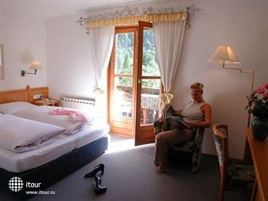 Landhotel Berau 7