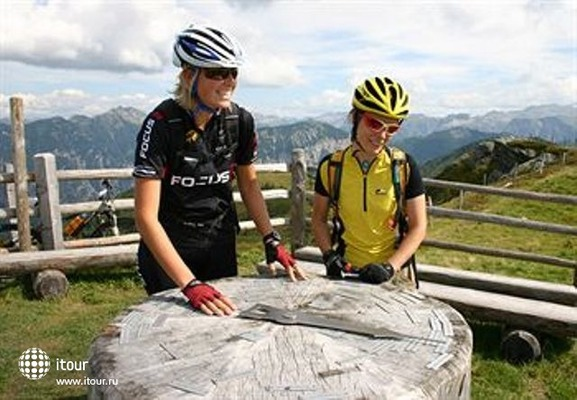 Tauernhof Funsport & Bikehotelanlage 6