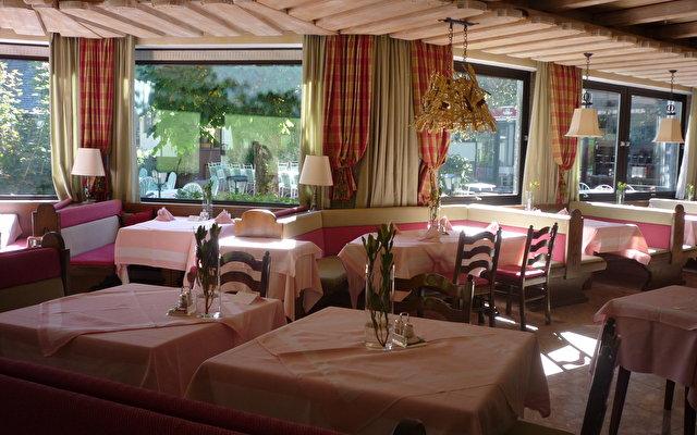 Hoteldorf Gruener Baum 6