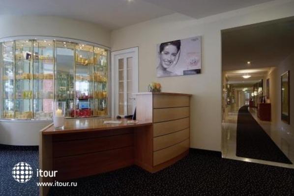 Hotel & Spa Royal Seefeld 8