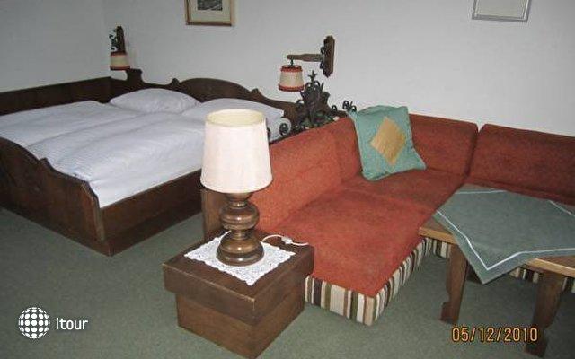 Einhorn Hotel 2