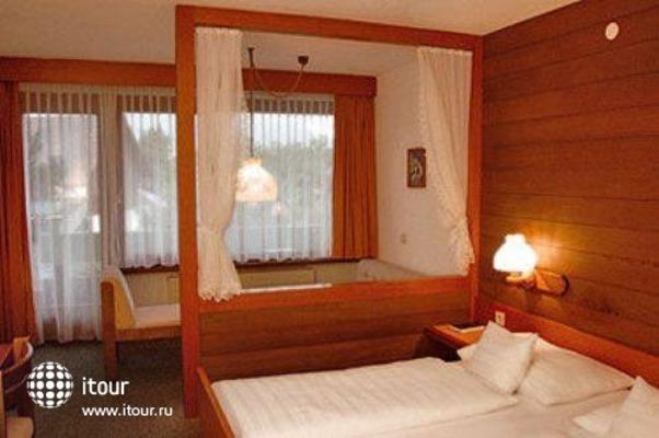 Hotel Buechel 4