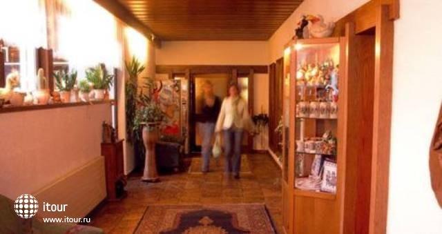 Hotel Buechel 8