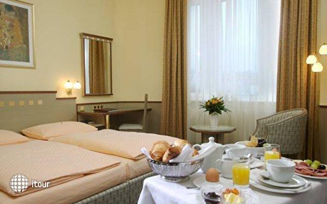 Hotel Rainer 5