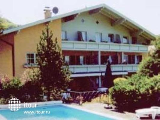 Villa Pace Garni 1