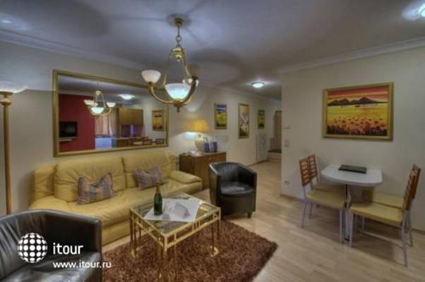 Interstar Alpin & Golfhotel -jausern 9