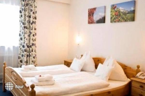 Hoch Tirol Hotel 1