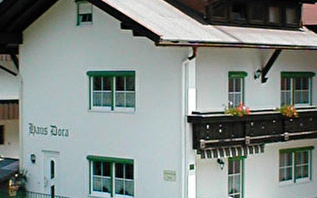 Dora Haus 1
