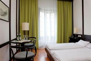 Central Hotel Innsbruck 10